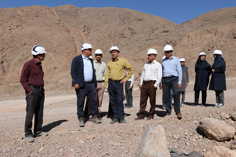 بازدید آقای مهندس حسینی نژاد از معدن سرب و روی خان خاتون ابارق بم و معدن سنگ آهن نصرت راین مورخ 98/3/19